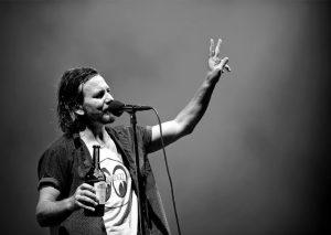 Clicca sulla foto per accedere al video yuotube con Crazy Mary nella versione dei Pearl Jam