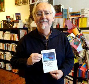 Andrea Cabassi ai Diari di Bordo con il libro che recensisce questo mese.